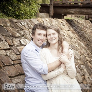 E-Shoot - Angela & Gavin - Lovely E-Shoot with soon to be Newly wed's Angela & Gavin In Wauchope NSW - BAGO Winery