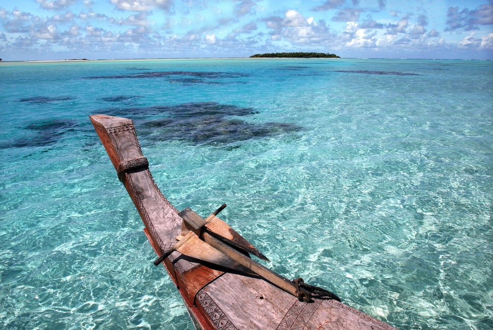 Cook Islands, lagoon shot - Cruising the Aitutaki lagoon, off the island of Aitutaki.