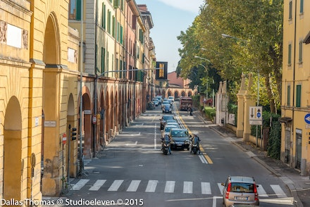 Bologna Street outside the old city - 2275
