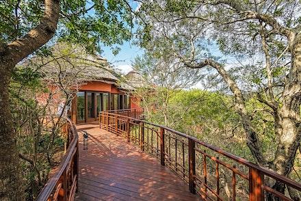021 Thanda Safari Lodge 030515-7943-Edit