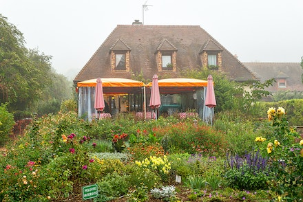 126 - Giverny - 21-09-16-0559-Edit - Restaurant before the garden