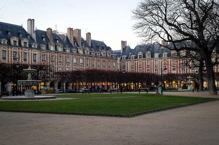 264 - Paris - 4th - 281216-5415