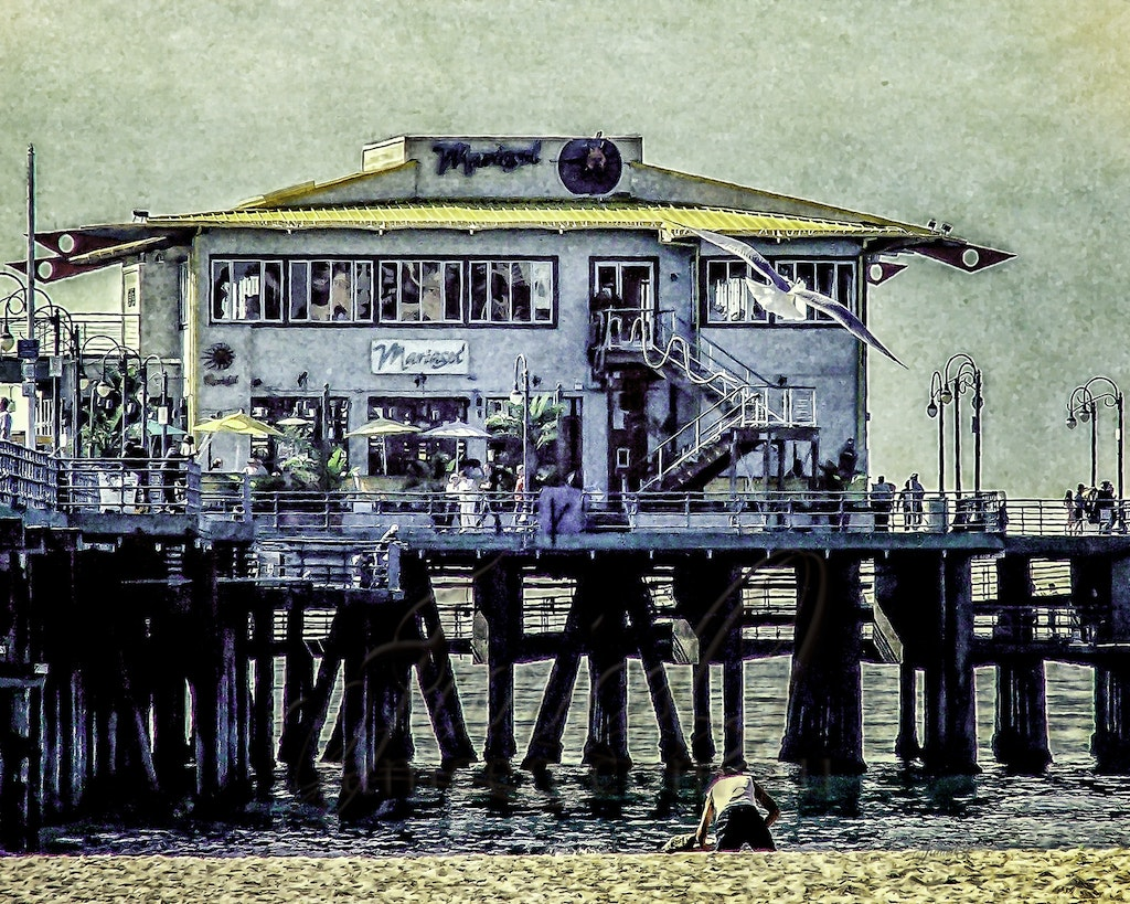 Mariasol - Santa Monica Pier - This restaraunt has pride of place at the ocean end of the Santa Monica Pier and was a must visit on our first day in Los...