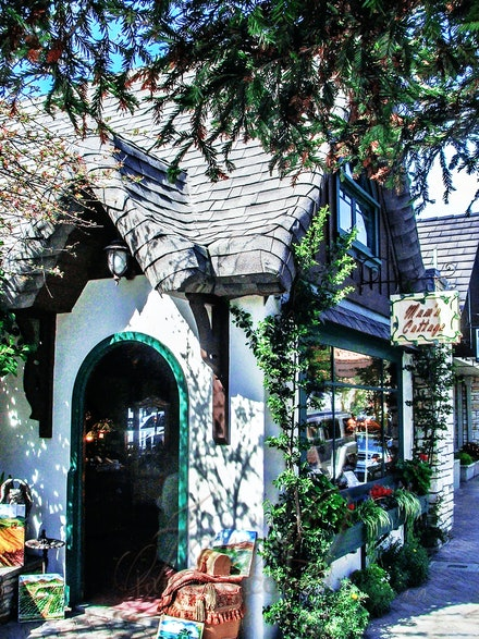 Mum's Cottage - A quaint little gift shop in Carmel, Claifornia, USA. Loved the shingle roofs.