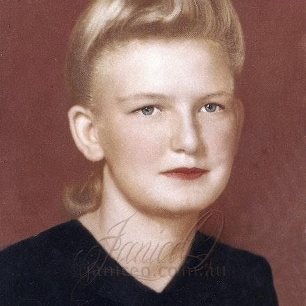 Shirley Joan Domin