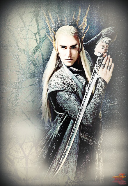 Thranduil with Sword - An exercise in blending.