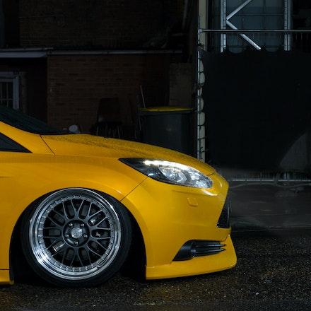 Chris 009 - Tangerine Scream Ford Focus ST lurking the streets of Sydney