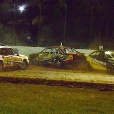 Production Sedans- Oct 2014 Kingaroy Speedway