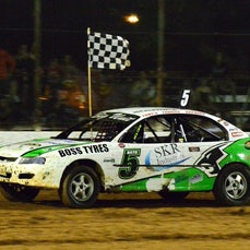 Kingaroy Speedway - Nov 2014 - Production Sedans
