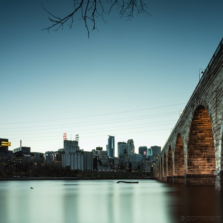 Stone Arch Bridge, Minneapolis - The Stone Arch Bridge spanning the mighty Mississippi River, Minneapolis USA