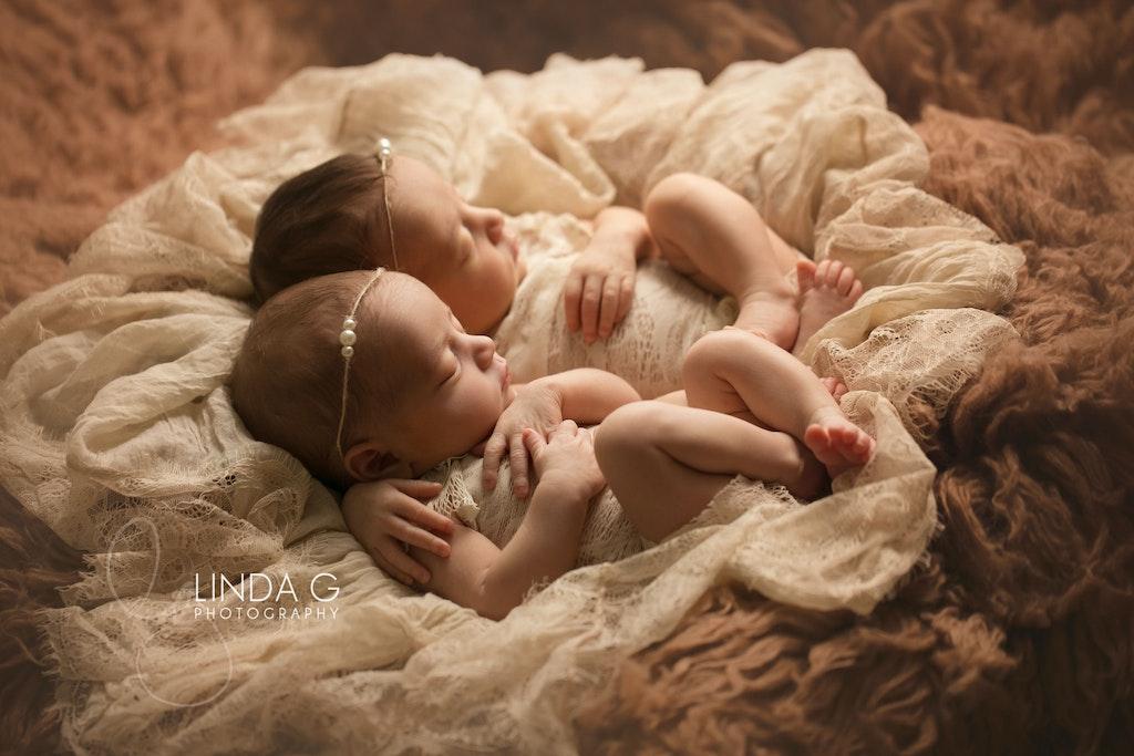 Linda G Photography twins 1
