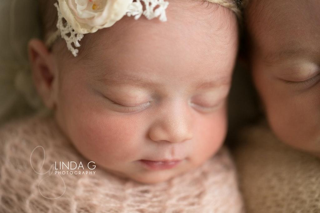Linda G Photography twins 10