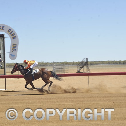 151024 Isisford Races