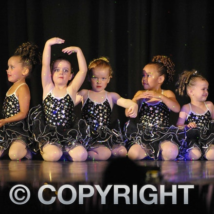 161112_SR23127 - Longreach School of Dance production of Wonka, Saturday November 12, 2016