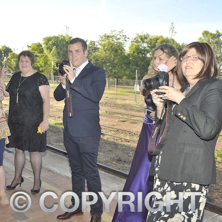 161118_SR24949 - at the Longreach State High School's Year 12 Formal photo call at the Railway Station, Friday November 18, 2016.