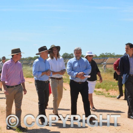 170304_DSC_8105 - Maranoa MP David Littleproud, Prime Minister Malcolmn Turnbull,  Elecnor Group business development manager Manuel Lopez-Velez and executive...