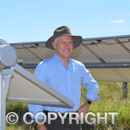 170304_DSC_8109 - Malcolm in the Barcaldine solar farm March 5