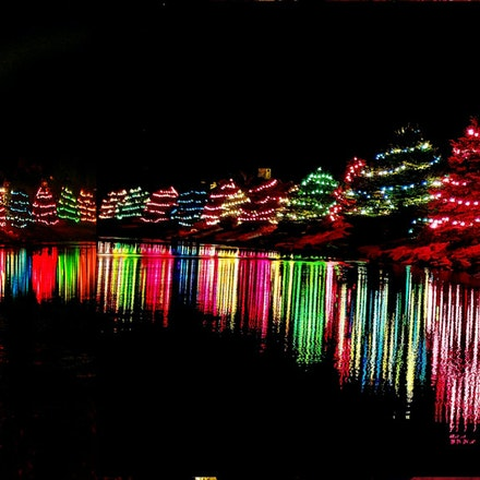 121715xmaslights (1) - at wilderness ridge in lincoln