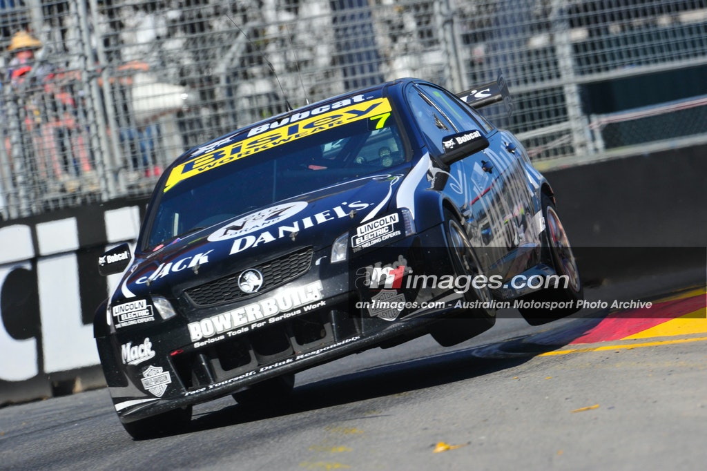 7 Kelly Adelaide 2011 - Todd Kelly, Jack Daniel's VE Commodore, Adelaide 2011.