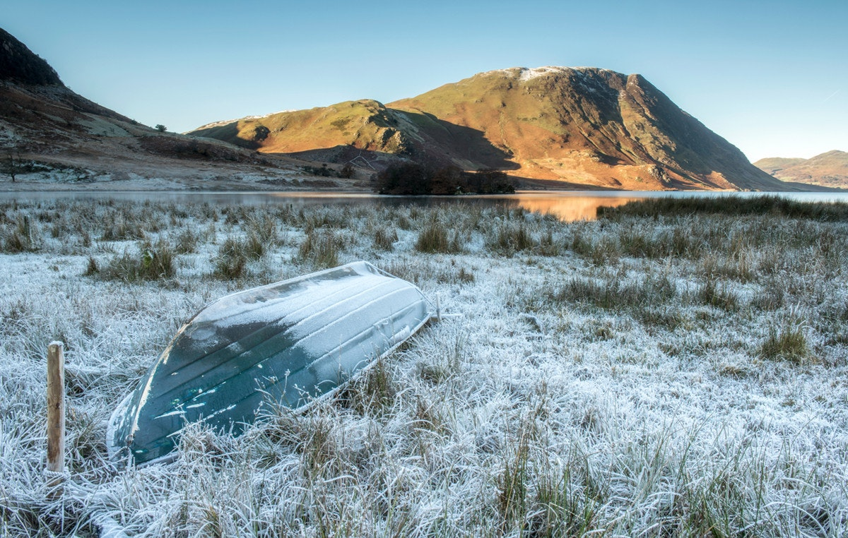 Frost, a boat and Mellbreak