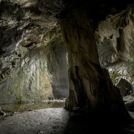 Mist in the cavern