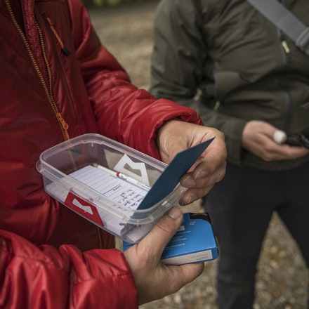 Finding a mark geocaching