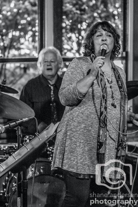 Jazzify - Songbird Teri Welles & Jazzify