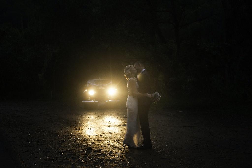 backlight-Wedding-car - Beautiful wedding photography  Ecostudio Fellini weddings