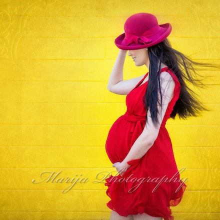 Maternity - There is nothing more beautiful than an expecting mother. Maternity portraits will capture this incredible moment in your life, for generations...