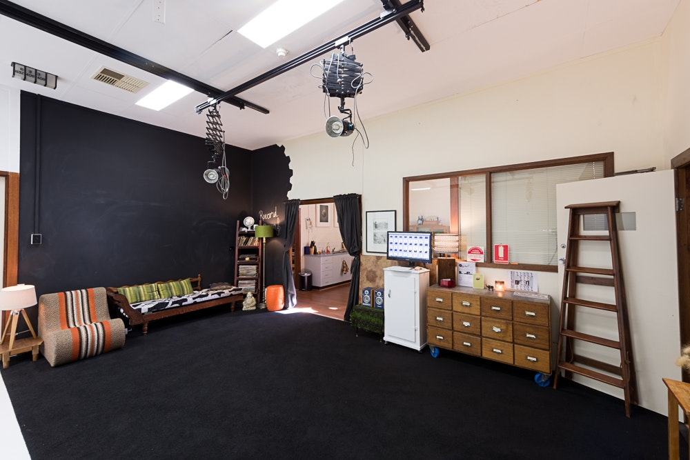 Studio1_studiohire2 - Adelaide photography studio hire - studio 1 interior with cyclorama