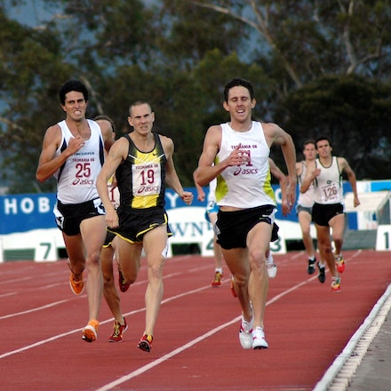 Mitch Kealey - Mitch Kealey striding to the line for victory ahead of David Campbell and Lachlan Chisholm in the 1500m at the 2008 Briggs Athletics Classic.