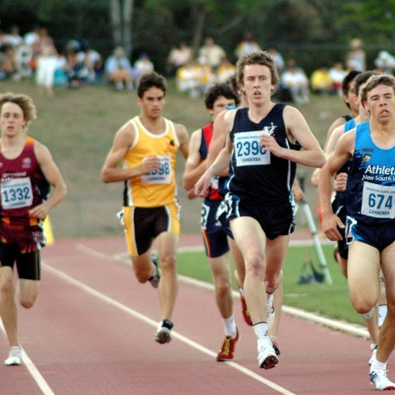 Alex Rowe - Alex Rowe from Victoria sits patiently in second place during the first lap of the 800m at the 2008 Pacific School Games in Canberra.