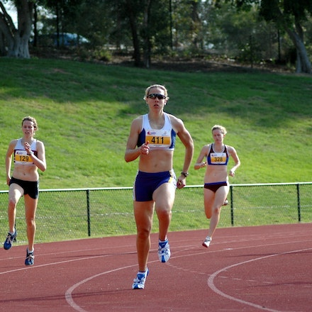 Annabelle Smith - Annabel Smith rounds the second bend of the 400m at the 2007 Australian University Games on the Gold Coast.