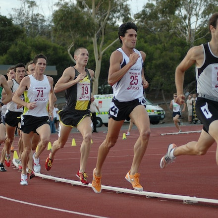 Lachlan Chisholm - Lachlan Chisholm follows the pacemaker during the 1500m at the 2008 Briggs Classic.