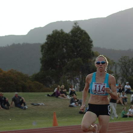 Tamsyn Lewis - Tamsyn Lewis in action in the women's 800m at the 2008 Briggs Athletics Classic.