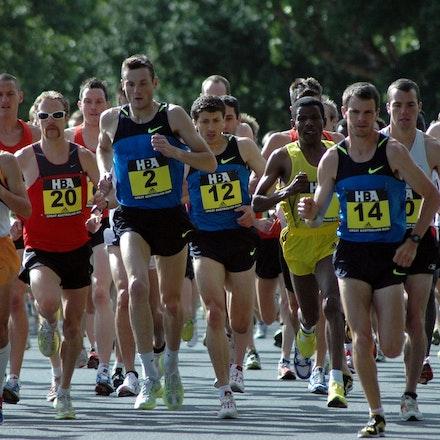 Great Australian Run - The field in the inaugural Great Australian Run in Melbourne in 2008, with prominent athletes Haile Gebrselassie, Craig Mottram...