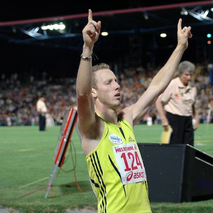 Lachlan Renshaw - Lachlan Renshaw salutes after setting an Olympic qualifying performance in the 800m at the 2008 Melbourne World Athletics Tour meet.