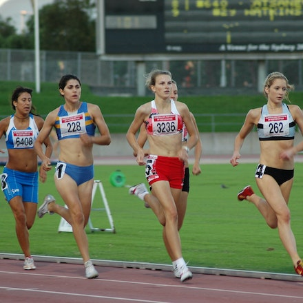 2008 NSW 800m title - Brooke Simpson leads the field from eventual winner Trychelle Kingdom, Lara Nicod and Katherine Katsanevakis in the 800m at the 2008...
