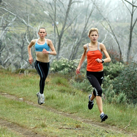 Tamsett and Brichacek - Lara Tamsett and Emily Brichacek during a training session at Falls Creek in December 2008.
