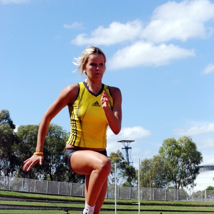 Vicki Parnov - Training prior to the 2009 Sydney Track Classic.