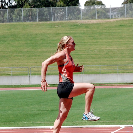 High Knees - Sally McLellan focusing in a light training session prior to the 2009 Sydney Track Classic.
