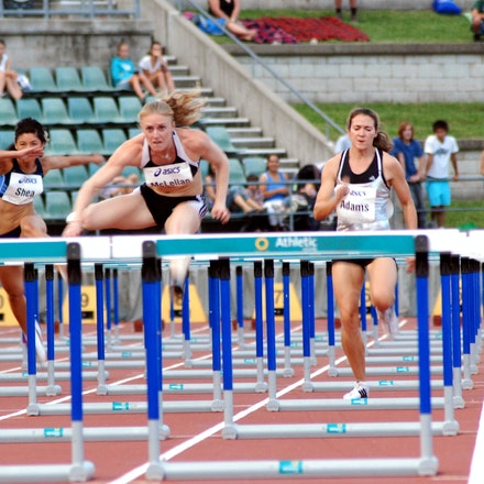 Sally McLellan - Sally McLellan was a class above the rest of the field in the 100m hurdles at the 2009 Sydney Track Classic, taking victory by three-quarters...