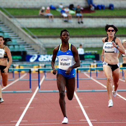 Melanie Walker - Melanie Walker from Jamaica strides towards the line ahead of Lauren Boden to win the 400m hurdles at the 2009 Sydney Track Classic in...