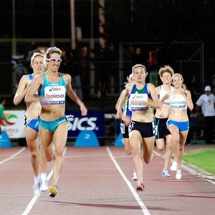 Sarah Jamieson - Sarah Jamieson strides down the straight on the way to victory in 1500m at the 2009 World Athletics Tour Melbourne meet.