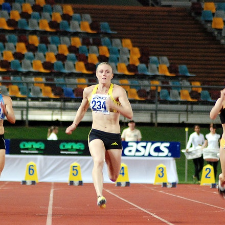 Sally McLellan - Sally McLellan took out her heat of the 100m at the 2009 Australian Athletics Championships with a swift run of 11.40 seconds (+0.1).