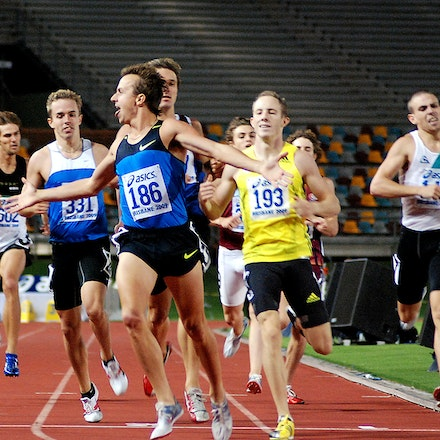 Nick Bromley - Nick Bromley celebrates winning his fourth Australian 800m title at the 2009 Australian Championships in Brisbane.
