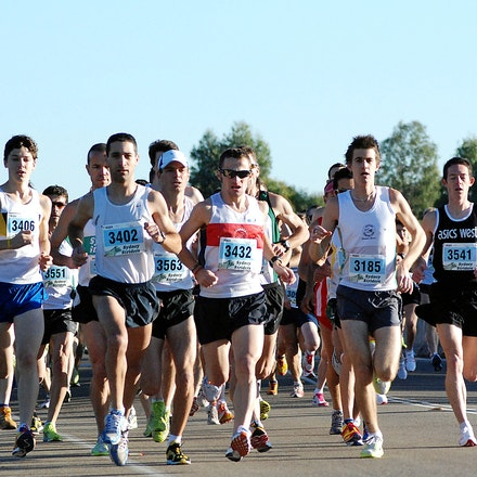 Athletics NSW / Sydney Striders Road Race - The lead pack shortly after the start.