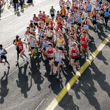 Sandown Classic 2009 - An overhead shot of the men's field at the Sandown Classic 10km in 2009.