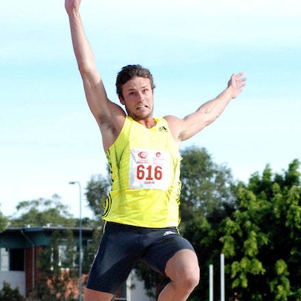 Chris Noffke - Chris Noffke leapt to 7.99m (0.0) to win the long jump at the 2009 Down Under Championships on the Gold Coast.