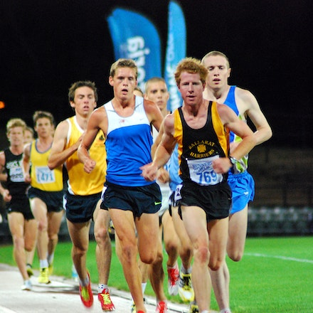 Nathan Hartigan - Nathan Hartigan leads a chase pack in the 2009 Victorian 5000m Championships.